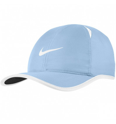 Nike Casquette de tennis Featherlight NikeCourt bleu clair be56d9c9accd